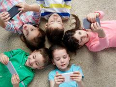 Не все так просто. Почему дети «века гаджетов» перестали двигаться и играть.